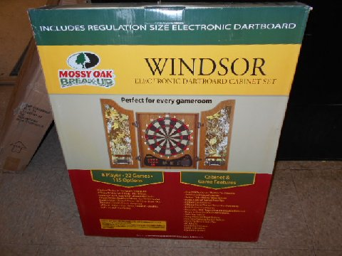 Arachnid Windsor Electronic Dartboard Cabinet Set For Sale