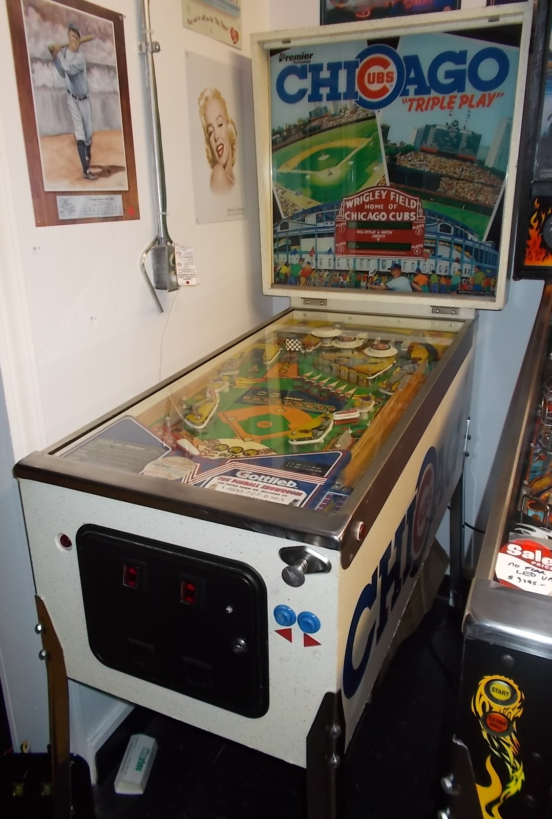 chicago cubs  u0026quot triple play u0026quot  pinball machine game by premier