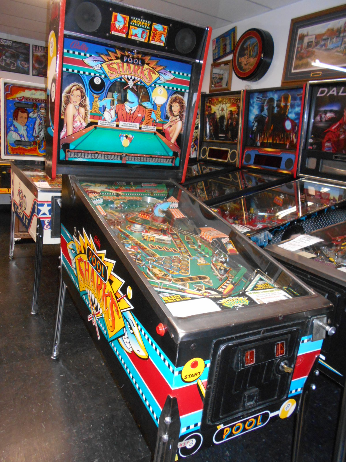 POOL SHARKS Pinball Machine Game for sale by BALLY - LED