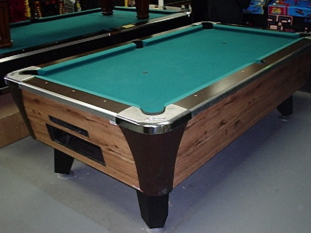 Merveilleux POOL TABLE 6u0027 Or 7u0027   COMMERCIAL COIN OPERATED