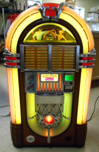 wurlitzer play it again replica cd compact disc jukebox for sale radio cd player rotating. Black Bedroom Furniture Sets. Home Design Ideas