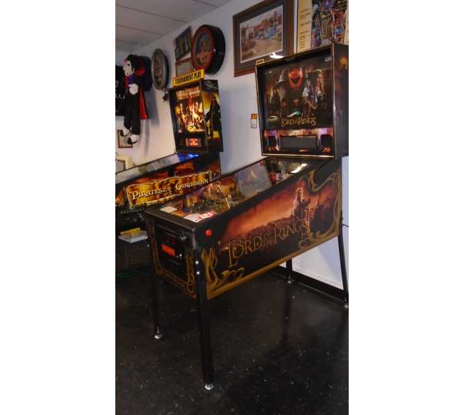 STERN LORD OF THE RINGS Pinball Machine Game for sale