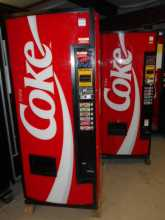 Dixie Narco DN 240CC/168 6 SELECTION Can SODA Vending Machine